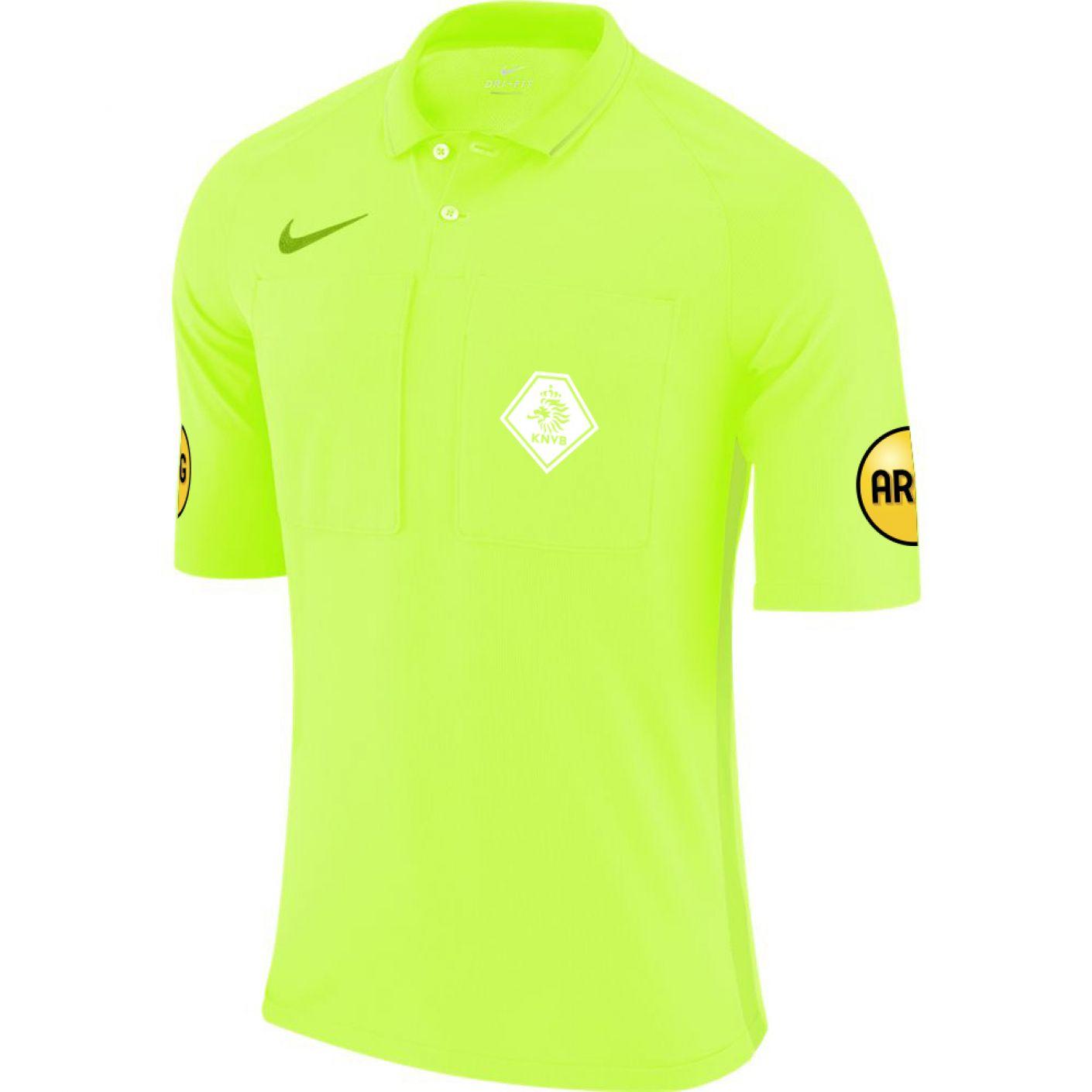 Nieuwe tenues voor scheidsrechters van S.V. Lopik